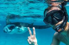 selfe-with-manta