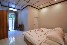 Omadhoo hotel room